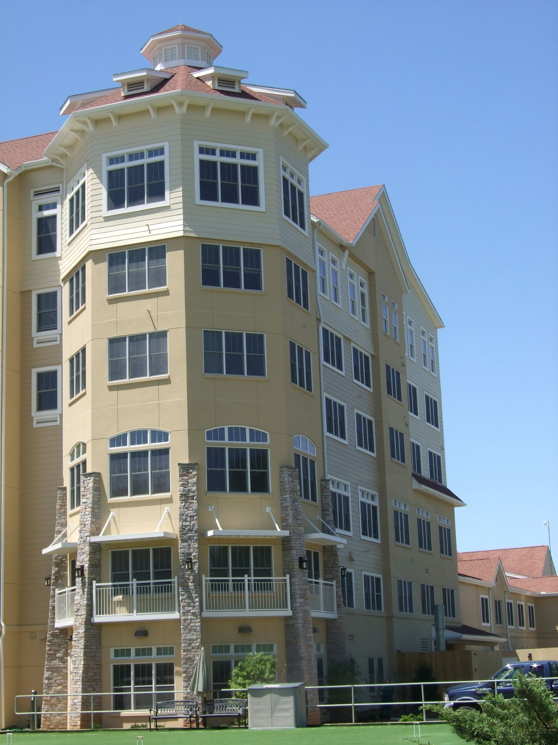 Deerfield Episcopal Retirement Community, Asheville, CCRC Design Senior Living THW Assisted Living Tower