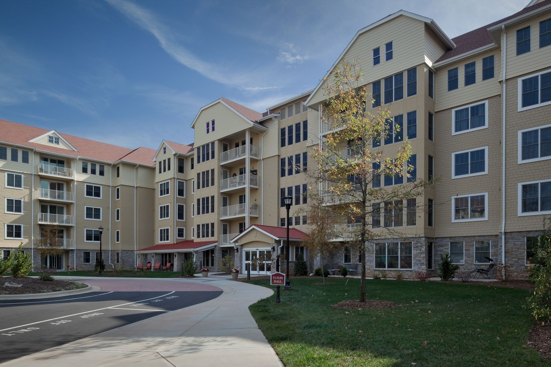 Deerfield Episcopal Retirement Community, Asheville, CCRC Design Senior Living THW Independent Living Exterior