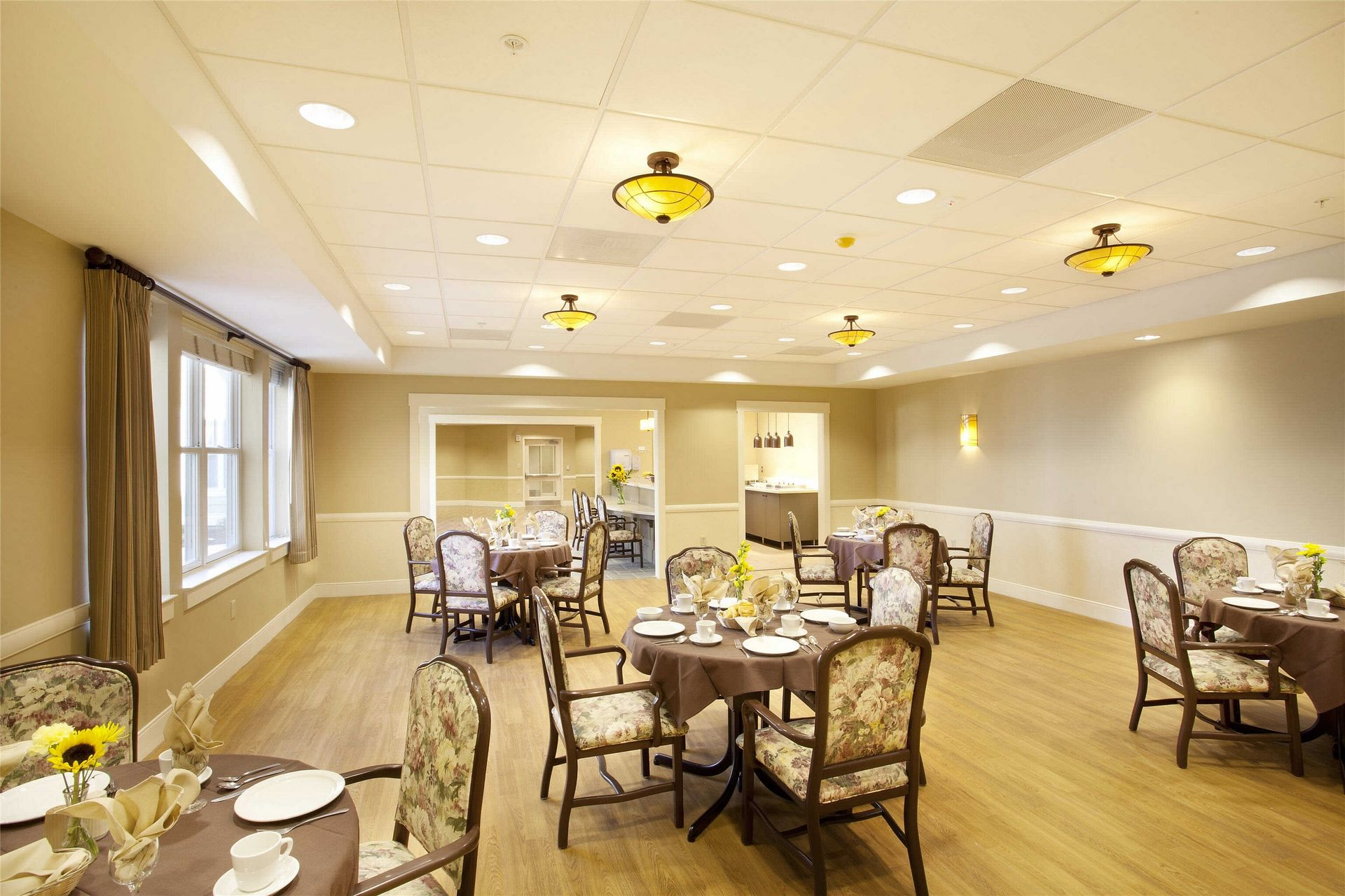 Kahl Home Skilled Nursing Design Dining