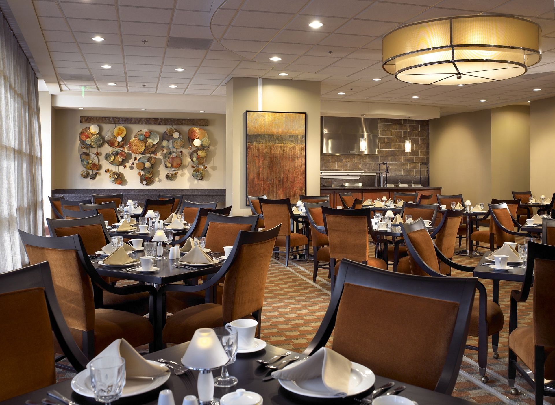 Lenbrook THW Senior Living Design CCRC Casual Dining