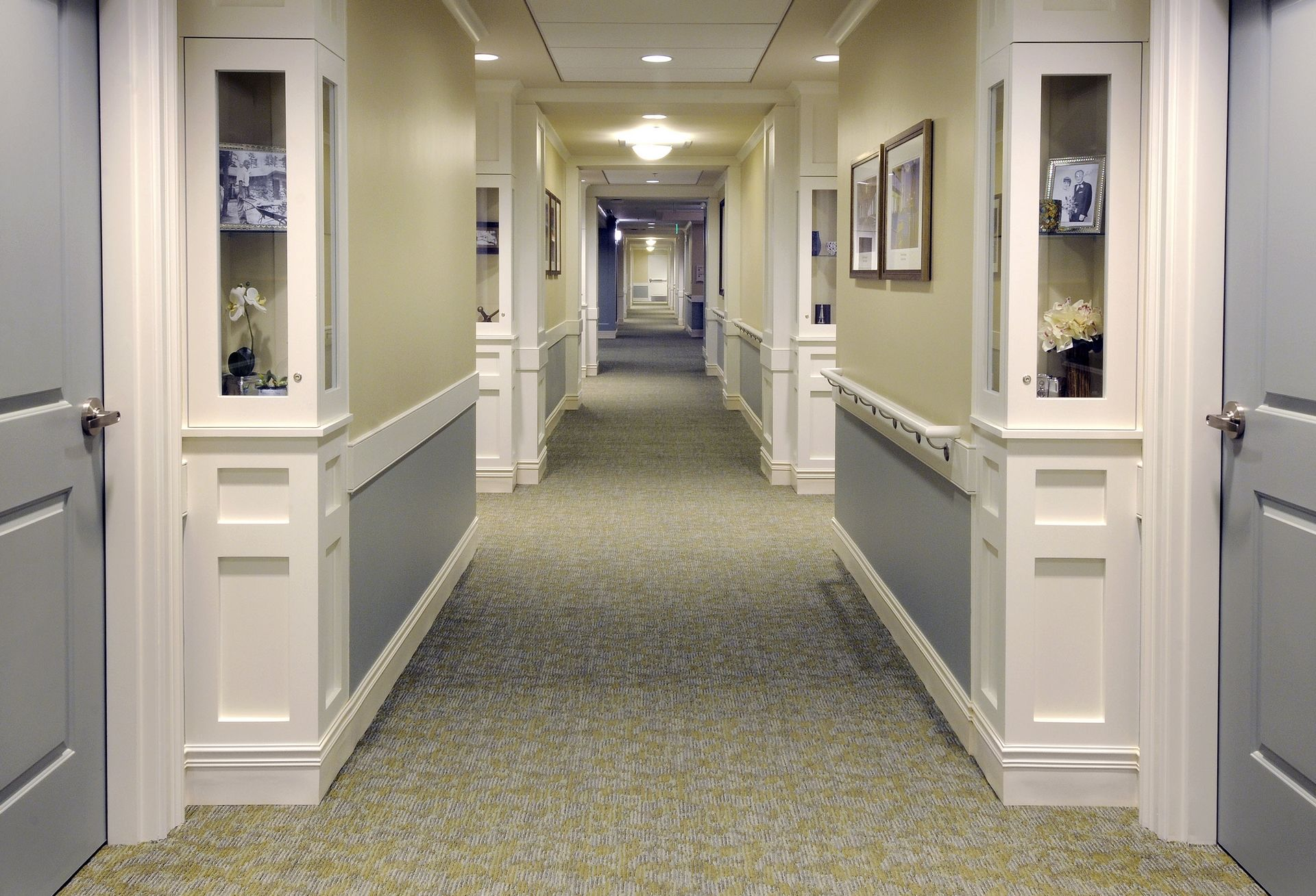Berman Commons | Assisted Living And Memory Care Hallway Design THW
